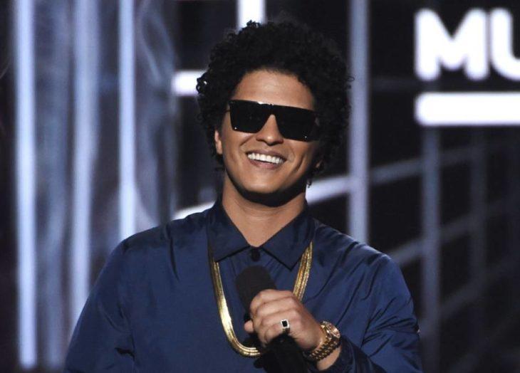 Bruno Mars protagonizará una nueva película musical de Disney