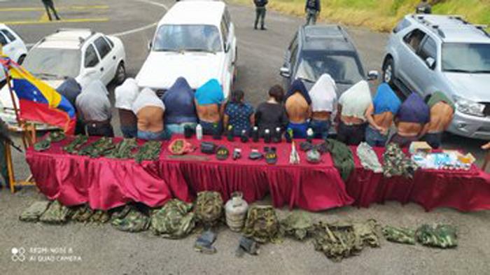 Capturados 14 paramilitares colombianos de la banda Los Rastrojos
