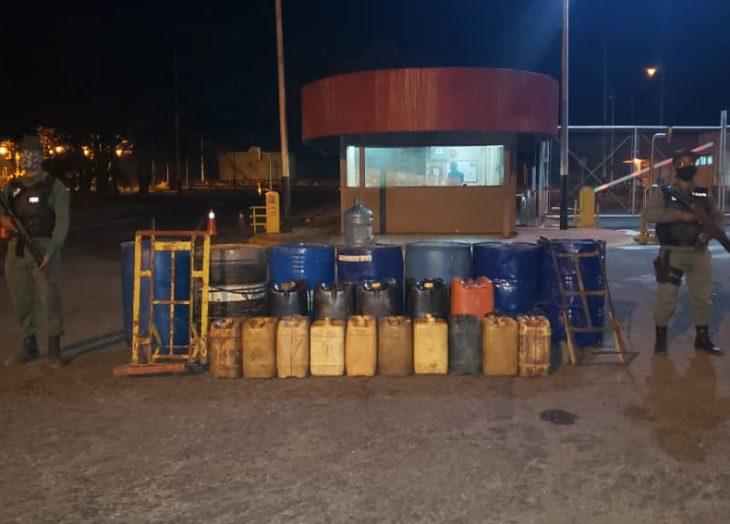Frustran robo de combustible en Sisor. Alrededor de 15 personas habrían ingresado de manera ilegal para llevarse el combustible.