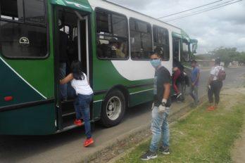 Transporte público no cumple el distanciamiento social