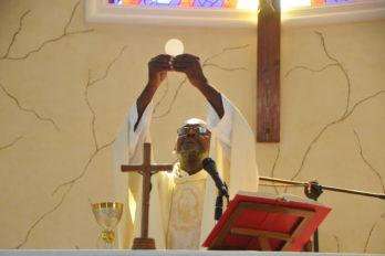 Celebraciones católicas de mayo serán por redes sociales