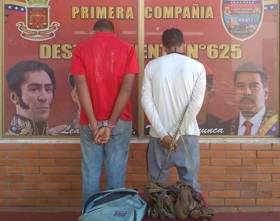 Dos jóvenes capturados por hurto en FMO