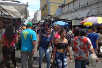 Ciudadanos señalan que tiendas en el Centro de San Félix violan normativa municipal