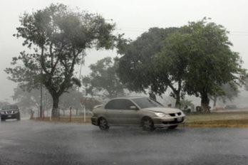Varios sectores de Caroní quedaron sin luz durante la lluvia de este martes