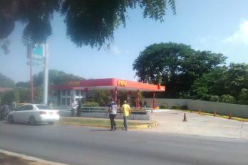 Despacho de combustible desató quejas: Pocos litros para pocos vehículos