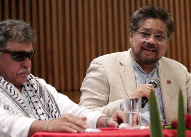 Ofrece 10 millones de dólares de recompensa por Márquez y Santrich