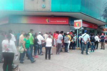Colas en entidades bancarias