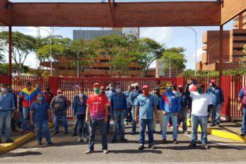 Trabajadores de Sidor exigieron frente a la CVG beneficios laborales