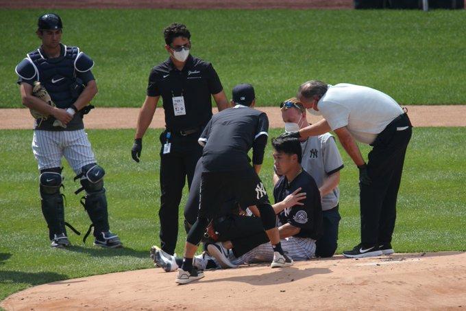 Tanaka golpeado en la cabeza por una línea — Yanquis
