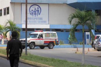Nueve lesionados en vuelco de vehículo que trasladaba reos a tribunales