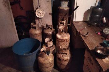 Desmantelan casa de llenado de gas doméstico en Luis Hurtado Higuera