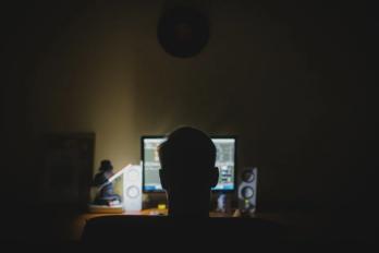 ¿Cómo denunciar cuentas falsas en redes sociales?