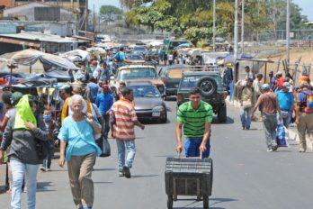 Mayor afluencia en mercados de la ciudad este sábado