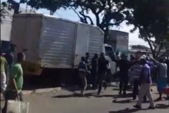 Civiles agreden a militar en bomba de El Gallo