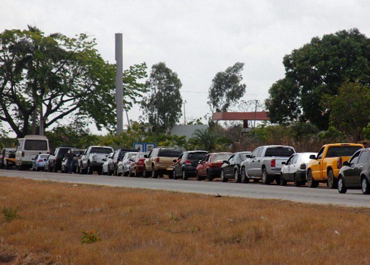 Colas por combustible y pocos transeúntes este sábado en Ciudad Guayana