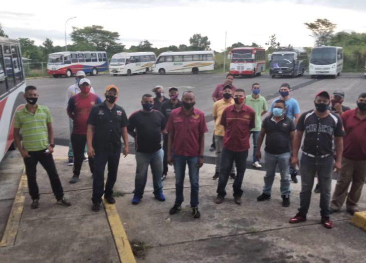 Transportistas de Roscio denunciaron mala organización para despacho de combustible