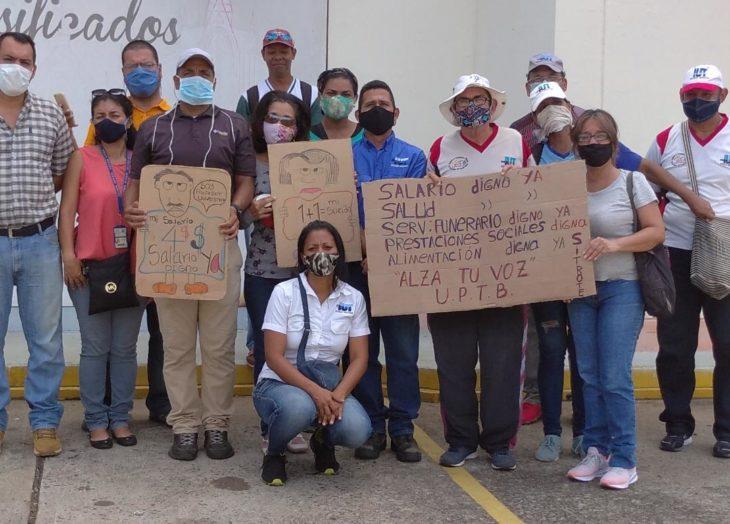 Trabajadores de la UPT exigen salarios dignos