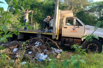 Corredores y ciclistas denuncian vertedero de basura en parque Loefling