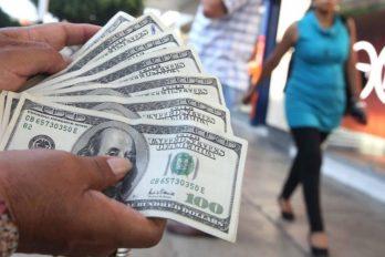 """""""Decisión del BCV evitará la fuga de capitales en dólares"""""""
