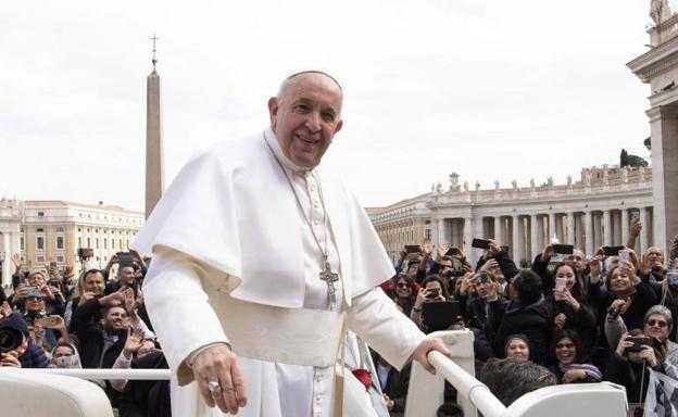 El Vaticano confirmó un caso de coronavirus en la residencia del papa