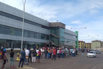 Guayaneses iniciaron en colas la semana de flexibilización