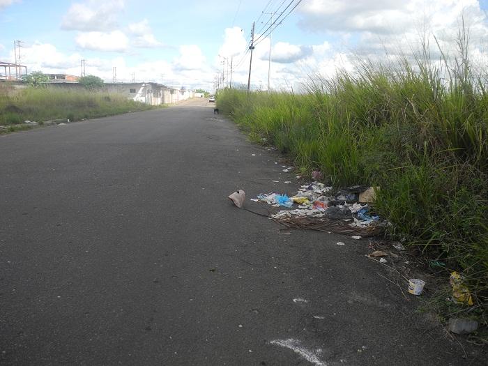 Urbanización La Loma usada como botadero de basura