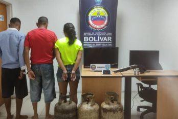 Padre e hijo arrestados por robo en una vivienda