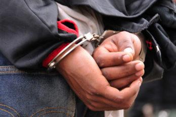Investigan a adolescente por abuso de dos menores