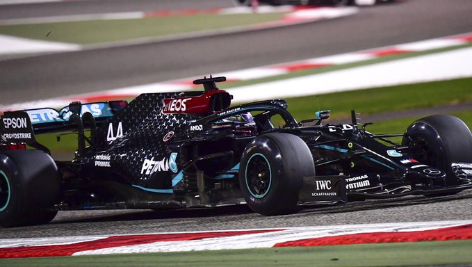"""Por fin """"Checo"""" Pérez logra podio, al llevarse el segundo lugar en GP de Turquía de la F1"""