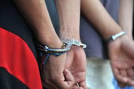 Tres detenidos por adaptar tanque a un autobús