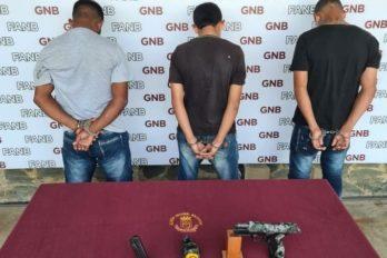"""Militares aprehenden a tres presuntos integrantes de """"los R"""""""