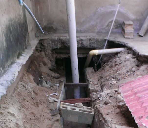 Temen derrumbe de vivienda en Manoa por cárcava