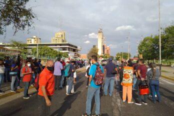 Protestan ante aumento de pasaje en transporte público