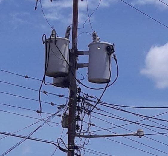 70 familias sin luz todavía esperan por Corpoelec en Las Casitas del Core 8