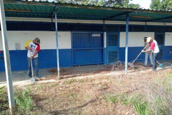 Acondicionan instalaciones de la Uneg para regreso a clases presenciales
