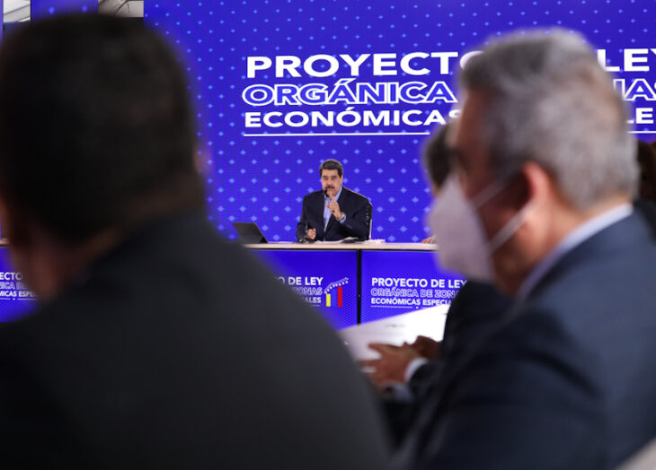 Maduro ratifica disposición al diálogo y coloca tres condiciones