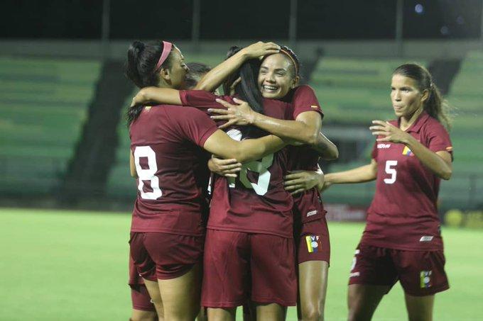 La Vinotinto femenina goleó 6-0 a Yaracuyanos en el Olímpico - Diario  Primicia